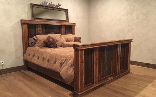 Barnwood and Circle Sawn Fir King Bed